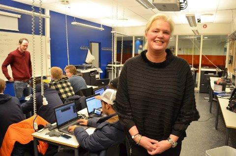 HAR NÅDD MÅLET: Fylkesråd Aasa Gjestvang (Sp) er utrolig godt fornøyd med at målet om at minst 75 prosent av elevene i Hedmark skal fullføre videregående skole er nådd. (Foto: Bjørn-Frode Løvlund)