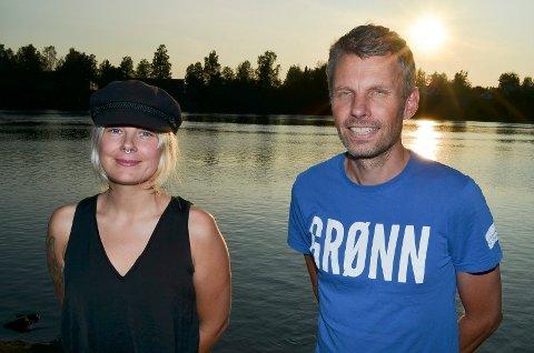 FOR BOMRINGER, MOT BOMVEGER: Hedvig Motzfeldt og Gjermund Gjestvag sier at MDG er mot bomveger, men for bomringer rundt byene.  (Foto: Bjørn-Frode Løvlund)