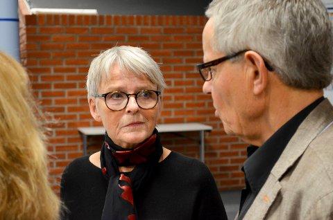 USIKKERHET: Rapporten fra styringsgruppa har skapt usikkerhet på flere områder. Styreleder Anne Enger, her i samtale med styremedlem Jørgen Hurum, innkaller til ekstraordinært styremøte mandag.