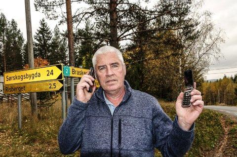 VENTER: – Vi kunne ikke si ja til èn satellitt-telefon for hele Risberget, sier Odd Even Fylling.
