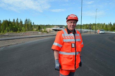 STOLT: Prosjektleder Taale Stensbye i Statens vegvesen er stolt av den nye riksveg 3/25, som blir det siste store vegprosjektet han fullfører før han blir pensjonist.