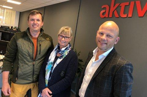SELGER SKOG: Hans og Marianne Wimmer har overlatt salgsjobben til Espen Strøm (til høyre) og Aktiv Elverum.