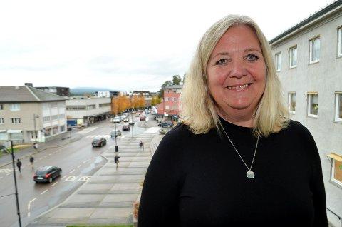 KLAR AMBISJON: Lillian Skjærvik sier allerede nå at hennes ambisjon er å fortsette som ordfører i Elverum også etter valget om to år.
