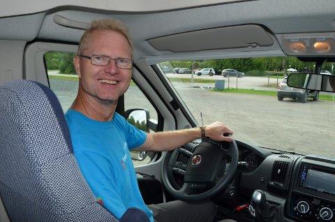 KLAR BESKJED: Stortingsrepresentant Tor André Johnsen (Frp) har klare forventninger til Sp-leder Vedum når det gjelder å senke bilavgifter og sørge for bomfritak på sideveger.