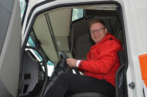 Fylkesordfører Even Aleksander Hagen (Ap) i Innlandet fylkeskommune ønsker mer midler for å redusere forfallet på fylkesvegene.
