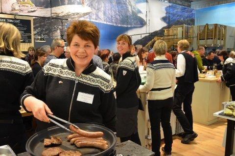 NY JOBB: Pølsemaker Hallgerd Tronsmoen, her på Grüne Woche i Berlin for noen år siden, har fått ny jobb og slutter på Gransjøberget Sæter og Viltkjøkken.