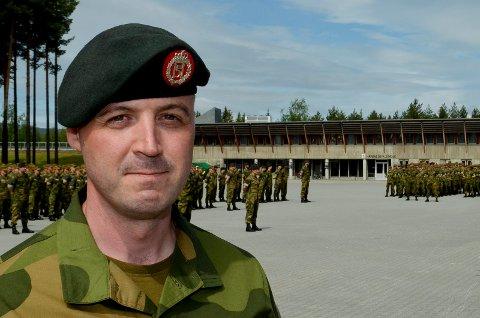 NY SJEF: Oberstløytnant Sebastian Bergstrøm overtok torsdag som ny sjef for Hærens skole for rekrutt- og fagutdanning, som har virksomhet i Rena leir og på Terningmoen i Elverum.