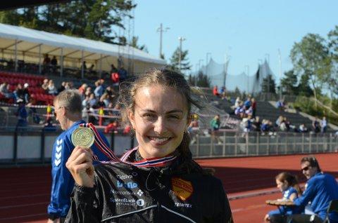 Ingeborg med gullmedaljen etter lørdagens løp