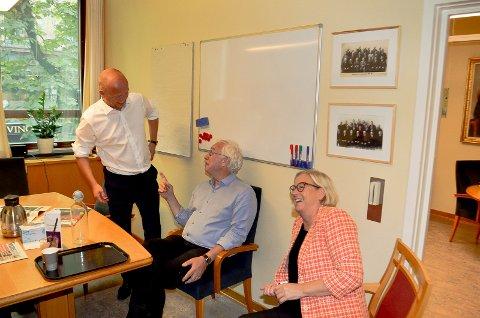 SENTRAL RÅDGIVER: Ole Gustav Narud er en av de sentrale rådgiverne i Sp. Her sammen med partileder Trygve Slagsvold Vedum og Marit Arnstad.