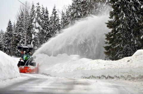 SNART VINTER: Det er snart vinter, og Norges Lastebil-Eierforbund Innlandet frykter at vinterdriften på fylkesvegene i Sør-Østerdal ikke blir bra nok.