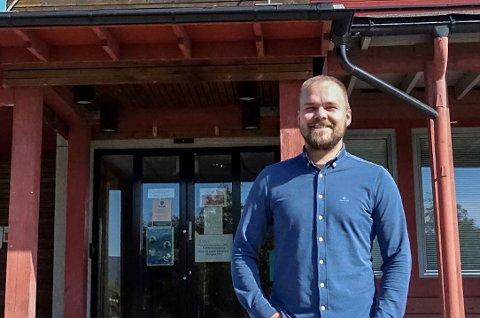 JAKTER PÅ FAGLEDER REGNSKAP: – Det er utrolig motiverende at mange kvalifiserte søkere ønsker seg til oss. Det er likevel vanskelig å rekruttere folk til stillingen som fagleder regnskap, sier stabssjef Geir Rekve i Stor-Elvdal kommune.