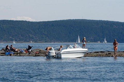 PASS PÅ HVERANDRE: Redningsselskapet oppfordrer alle til å passe godt på seg selv og hverandre på og ved sjø og vann.
