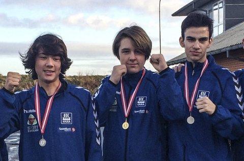 Fra venstre: Jacob Hansen, Marcus Elnæs-Øvald og Adrian Haug. Alle tre tok medalje.