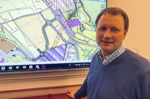 Terje Madsen er utbyggingssjef for prosjektet med veikryss ved Vallermyrene og Enger.
