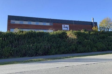 FORESLO BYTTEHANDEL: Isola har foreslått et tomtebytte i forbindelse med at de må avsi grunn til bygging av ny rundkjøring, men det har ikke fylkeskommunen ville ordne med.