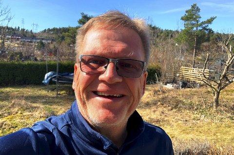 Gøy: PD-redaktør Erik Enger syns det er veldig gøy å kunne dele ut 200.000 kroner til lokale lag og foreninger.