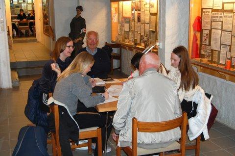 Lærer lokal krigshistorie: Hjemmefrontmuseet Rakkestad har mottatt 100.000 kroner i støtte fra Sparebankstiftelsen DNB til undervisningsopplegget for ungdomsskoleelvene om 2. verdenskrig.