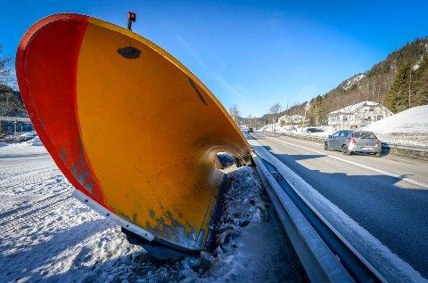 Snøen har så vidt falt denne sesongen, men det har allerede blitt kjølig stemning i forbindelse med tildeling av en brøytekontrakt på Storforshei.