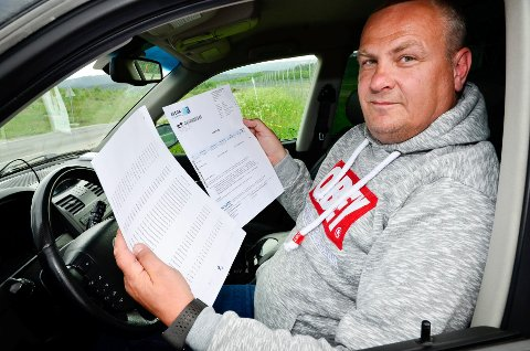 DOKUMENTASJON: Per Legland har dokumentasjon på at bilen har passert bompengestasjoner rundt om på Helgeland, hele 13 ganger i perioden der parkeringsselskapet mener bilen har stått parkert ved flyplassen på Røssvoll.