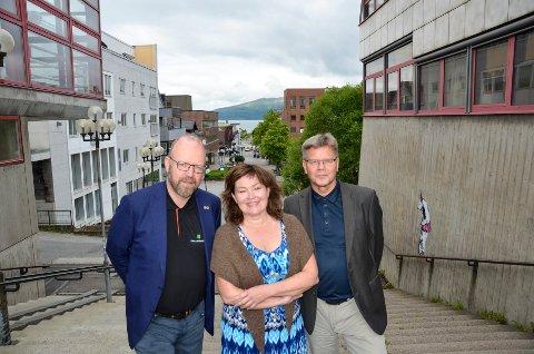 Ordfører Geir Waage, Ru-direktør Anita Sollie og tidligere sykehusdirektør Jan Erik Furunes