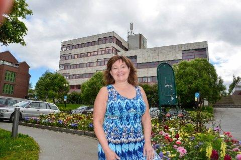 Anita Sollie fortsetter som konstituert RU-direktør fram til  1. oktober. - Hovedområdene jeg skal jobbe med er sykehus, flyplass og å være leder, sier hun.