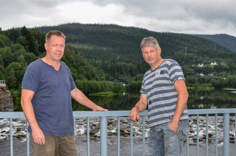 Grunneier Herbjørn Knutsen og leder i Bjerka Bygdefeskarlag, Terje Ånonli ønsker å bevare fisken i Bjerka-elva. For å få til det, mener de at Statkraft er nødt til å øke vannføringen i elva.