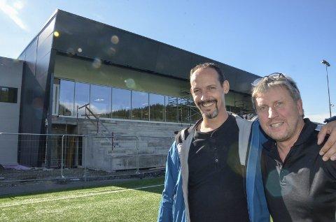 Tor-Arne Nordvik (t.v.) og Jørgen Svarthoel fra Haaland cup.