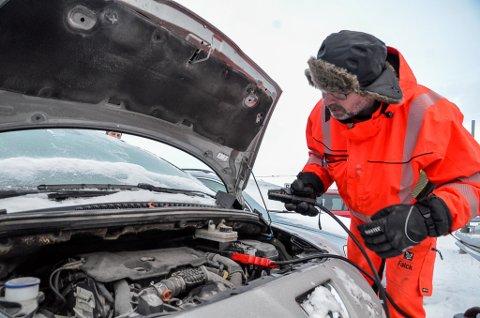 Per Erling Olufsen hos Helgeland Veihjelp har assistert flere titalls bilister i kuldeperioden vi er inne i.