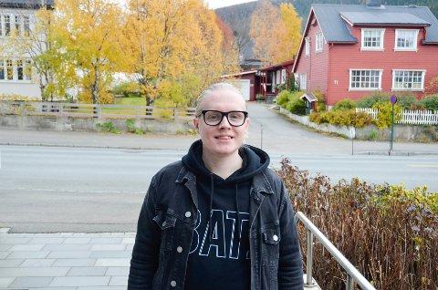 Andreas Vassvik (25) har Asbergers syndrom, og øver seg på å forstå det sosiale spillet mennesker mellom. - Det er viktig å gi seg selv tid, sier han.
