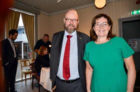 Ordfører Geir Waage (Ap) og varaordfører Anita Sollie (H). Arkivfoto.