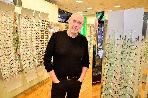 Andre Stensland starter som selvstendig optiker i Mo i Rana.