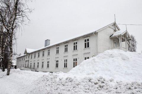 Det såkalte «kvithuset» kan få ny eier. Rådmannen anbefaler nemlig at Frikult AS får overta bygget vederlagsfritt.