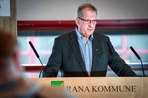 Johan Petter Røssvoll (Sp) etterlyste brøyting og parkeringsmuligheter på Umbukta på sakskartet.