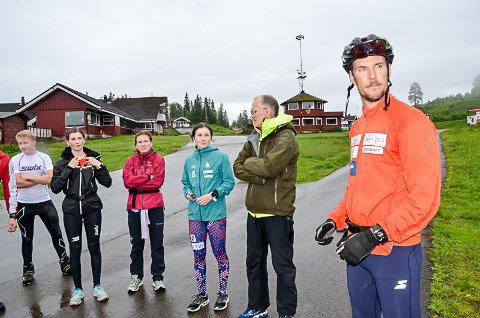 NYTT FJES: John Kristian Dahl har en solid karriere som langrennsløper. Nå flytter han til rana samen med familien. Det er ikke minst folk i skimiljøet glad for, deriblant  Polarsirkelen skis Eirik Bjørkmo. Foto: Trond Isaksen