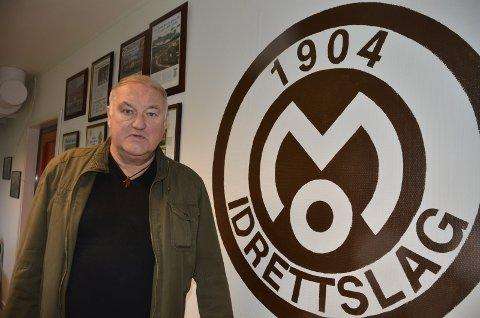 Sture Rasmussen, styreleder i Mo IL, hadde sett fram til å feire at det er 40 år siden klubben skapte fotballfeber i Rana med semifinale i cupen. Nå stopper det lokale koronautbruddet festen inntil videre.