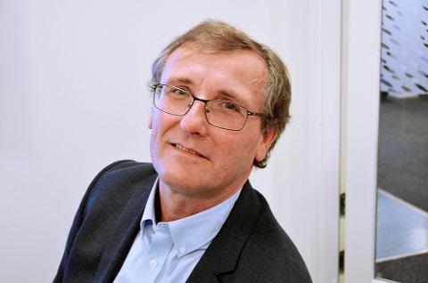 Thor Brækkan, områdedirektør i Bane Nor, sier bommen vil bli satt opp i løpet av de nærmeste ukene.