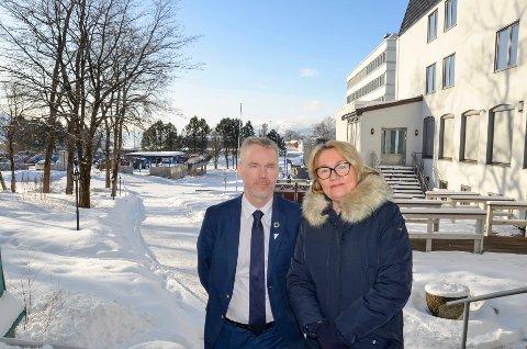 Gruppeleder for SV på Nordland fylkesting Christian Torset og leder i Rana SV, Marit Tennfjord, håper på støtte til oppropet om å evakuere barn fra flyktningeleiren Moria på den greske øya Lesvos.
