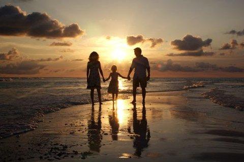 Ferielysten: Mange håper på å få dratt på den etterlengtede sommerferien sin likevel. Europeiske gir nå kundene ekstra tid på ta avgjørelsen om hvorvidt de skal avbestille eler ikke. Foto: Europeiske Reiseforsikring