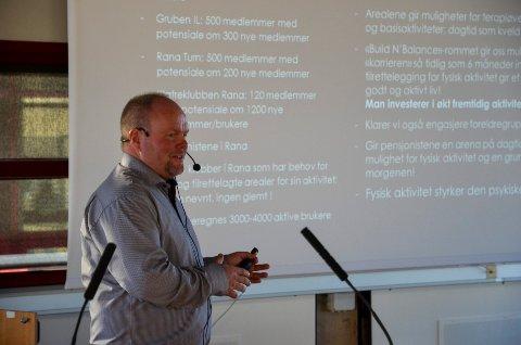 Leif Sagen i Gruben IL har tidligere informert politikerne om de store planene for et allaktivitetshus på Gruben. 12. mai skal saken igjen opp i kommunestyret.