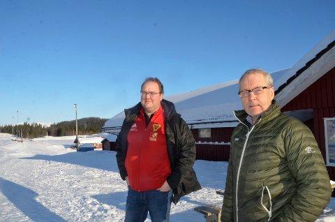 Ståle Lysfjord (t.h.), leder av hovedkomiteen for Hovedlandsrennet og daglig leder i B&Y IL, Tom Kristiansen, er klar til å søke nytt renn i 2022.
