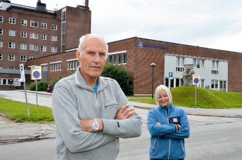 Lokallagsleder i Rana Frp Allan Johansen (74) og styremedlem Line Merethe Lund (46) reagerer så sterkt på holdninga Frps listetopper i Nordland har vist når det gjelder viktige saker for Rana som sykehus og flyplass er eksempler på, at de advarer ranværingene mot å gi sin stemme til Frp i stortingsvalget.