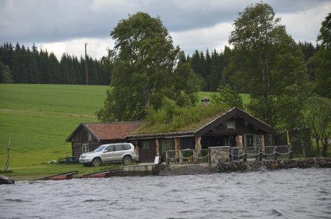 Har revet: Jan Tore Hemma ber Ringsaker kommune komme for å kontrollere eiendommen hans.Foto: Arkiv