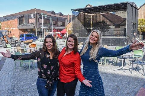 Klare for sommeren: By utvikler, Monica Østenheden, prosjektutvikler Monica Rylander og kulturrådgiver Henriette Enger har ferdigstilt programmet for kultursommeren i Ringsaker.