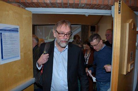 UKLARE SVAR: Også Tore Robertsen, direktør for styre- og eieroppfølging i Helse Sør-Øst, har uklare svar på hva Helse Sør-Øst mener med Mjøsbrua.