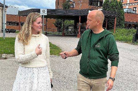JOBBER TETT: Emilie Enger Mehl nyter stor tillit hos partileder Trygve Magnus Slagsvold Vedum.