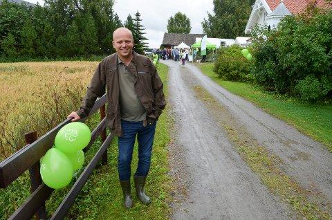 KUTTER FORBINDELSEN: Internettforbindelsen til gården Bjørby på Ilseng, der Sp-leder Trygve Slagsvold Vedum bor, blir kuttet fra nyttår. Bildet er tatt ved en tidligere anledning.