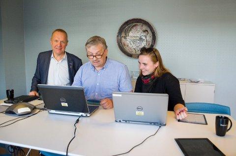 Aps ordførerkandidater Lars Magnussen, Kjell B. Hansen og Isabella Tangen svarer på spørsmål i nettmøte.