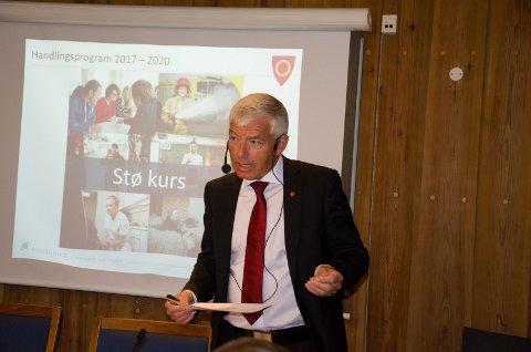 Rådmann i Ringerike, Tore Isaksen tror fortsatt veksten i Ringerike kommer med Ringeriksbanen, men at vi må jobbe hardt for å få det til.