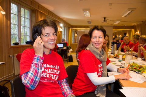 Linda Moholdt Nordgården (RNF) og Agnete Linde (Hole kommune) trår gjerne til for TV-aksjonen.