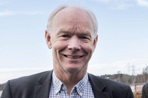 Per Olaf Lundteigen (Sp) kan smile. Meningsmålingen gir ham stor framgang og målingen gir ham en sikker plass på Stortinget.